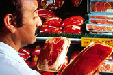 Những thức ăn nguy cơ ung thư đại trực tràng cao hầu như ai cũng thích
