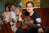 Nữ thủ khoa hãnh diện khi cha mẹ bán hàng rong ở Sài Gòn