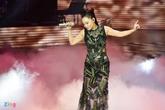 """Thu Minh tung ca khúc """"đốn tim"""" fan ở chung kết The Voice"""
