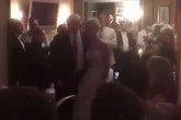 Ông Trump bất ngờ dự một đám cưới ở New Jersey