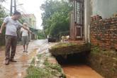 Quảng Ninh: Đi học về hai học sinh bị ngã xuống cống