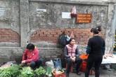 Hà Nội: Tiểu thương kêu cứu vì quán cóc bủa vây chợ Khương Đình