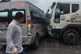 Tai nạn liên hoàn giữa 4 xe ô tô, hành khách hoảng loạn