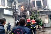 Hà Nội: Cháy cực lớn tại quán karaoke, lan sang 2 nhà dân bên cạnh