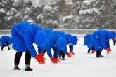 Trung Quốc huy động 300 người dọn tuyết trước trận chung kết U23 châu Á