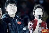 Nữ MC đứng cạnh dàn trai đẹp U23 Việt Nam trong đêm Gala là ai?