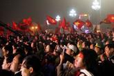 Hàng vạn người dân xứ Nghệ chào đón các tuyển thủ U23 Việt Nam về quê nhà