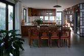 Ngôi nhà Sài Gòn ngược đời - có nội thất trước rồi xây sau