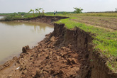 Huyện Vĩnh Bảo, Hải Phòng: Cát tặc hoành hành, đất canh tác thành sông