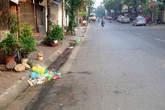 Hà Nội: Rác đầy phố vẫn không dễ xử phạt