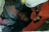 Người đàn ông Indonesia sống sót suốt 4 ngày dưới tòa nhà sập vì động đất