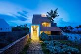 Vợ chồng Việt bỏ phố về quê xây nhà cấp 4 đẹp mê li, lý do khiến ai cũng nể!