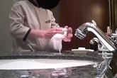 Sốc: Nhân viên khách sạn 5 sao dùng khăn chùi bồn cầu lau cốc
