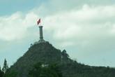 Lễ thượng cờ trên đỉnh núi Rồng, cực bắc của Tổ quốc