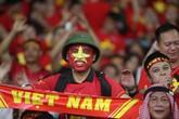 CĐV Việt Nam rực đỏ một góc sân Bukit Jalil