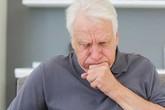 Bệnh viêm phế quản mạn tính ở người cao tuổi có thể dẫn đến nhiều biến chứng nặng nề
