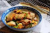 Bữa tối mùa đông có cá chiên mặn ngọt nóng hổi, ngon cơm khỏi bàn