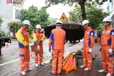 EVNNPC chính thức triển khai sửa chữa điện Hotline trên lưới 22kV