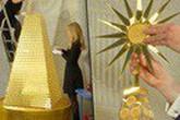 Mãn nhãn cây thông Noel bằng vàng ròng trị giá gần 70 tỷ đồng