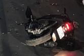 Xe máy đấu đầu ôtô chở công nhân, 2 người chết
