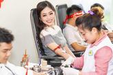Á hậu Phương Nga hội ngộ dàn người đẹp Hoa hậu Việt Nam 2018 khi đi hiến máu