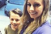 Mẹ ngất xỉu, bé 8 tuổi lái xe gần 100 km/h đến nơi an toàn