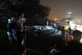Tìm thấy 2 thi thể trong vụ Mercedes lao xuống sông Hồng, tài xế chết trong tư thế tay nắm chặt vô lăng