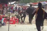 Nam thanh niên bị 7 - 8 người vây đánh ngay trong chùa