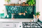 Những căn bếp màu xanh mê hoặc những ai muốn sống gần thiên nhiên