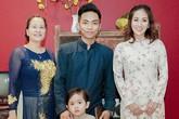 Khánh Thi mang bầu đi sự kiện cùng chồng