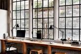 Những cách tận dụng không gian cửa sổ để tạo góc làm việc thoải mái cho nhà hẹp