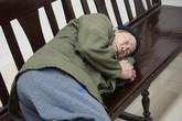 Tuyên phạt ông lão 79 tuổi hiếp dâm bé gái hàng xóm
