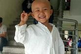 """Xúc động câu nói """"con sẽ khỏe mạnh"""" của bé gái 4 tuổi mắc bệnh ung thư"""