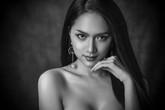 Hương Giang thần thái ngời ngời bên dàn thí sinh 'Hoa hậu Chuyển giới Quốc tế' trong loạt ảnh 'beauty shoot'
