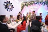 Khắc Việt cùng dàn trai đẹp mang lễ đến ăn hỏi bạn gái hotgirl