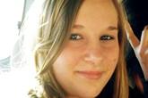 Nữ sinh tự tử vì lộ ảnh với bạn trai trên mạng và những cảnh báo