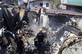 Máy bay rơi trúng nhà dân, nhiều người thiệt mạng