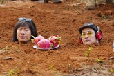 Kiều Minh Tuấn, Huy Khánh ám ảnh khi bị chôn dưới đất để đóng phim
