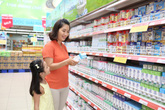 Những điều mẹ không nên bỏ qua khi chọn mua sữa cho bé