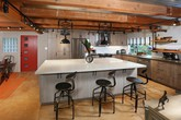 Mãn nhãn với 10 căn bếp độc đáo mang phong cách công nghiệp