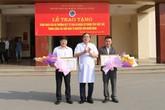 Tặng bằng khen cho thầy giáo và cán bộ huyện vượt 200km hiến máu cực hiếm