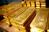 Giá vàng hôm nay 20/4: Đối đầu gay gắt, vàng treo trên đỉnh