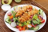 Nếu chọn ăn salad để giảm cân thì đừng bao giờ cho thêm 6 thứ này
