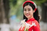 """Nhan sắc chuẩn """"gái Hà thành"""" của Đỗ Mỹ Linh với áo dài và loa kèn tháng 4"""