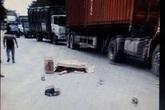 Thương tâm bé gái tử vong dưới bánh xe container trong ngày giỗ đầu mẹ