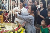 Tháng Phật đản: Dự lễ tắm Phật nên làm những điều này để may mắn, bình an