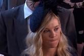 Biểu cảm của bạn gái cũ tại đám cưới Hoàng tử Harry gây sốt mạng