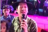 Trường Giang cầu xin khán giả sau khi bị ném chai và giúp đỡ trẻ bị lạc cha mẹ ở hội chợ Quy Nhơn
