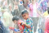 Có gì vui ở ''Lễ hội súng nước'' dịp quốc tế thiếu nhi?