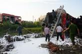 Nhân viên đường sắt bất lực nhìn lái tàu SE19 kêu cứu
